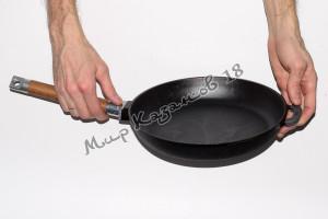 Сковорода чугунная BIOL 24 см